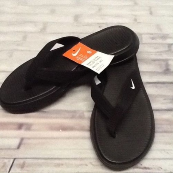 49d6fc57661c Nike Womens Ultra Celso Thong Flip Flops
